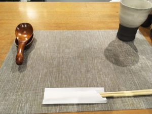 麦×鶏 (MUGITOTORI)テーブル