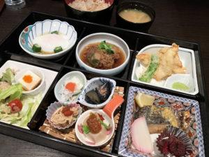 昼定食A900円