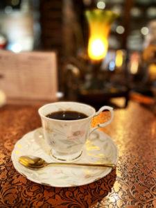 サイフォン式の香り漂うコーヒー
