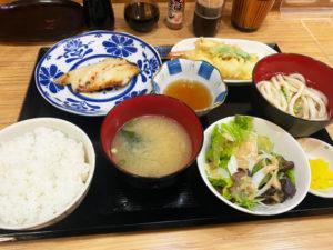 黒むつ西京焼き&天ぷら盛り定食 800円(税込み)「海鮮料理 にしの」