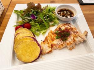 「cafe&bar ACTOR」油淋鶏 750円(税込)