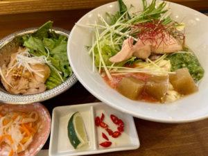 「ふぉーの店 本町店」冷製ふぉー +ガー丼とやらもセット 900円(税込)