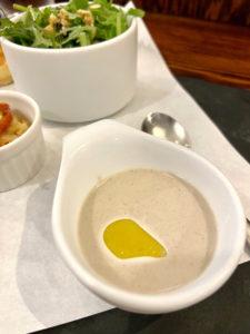 キノコの冷製スープ