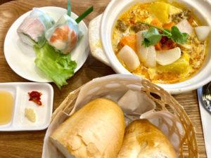 「チャムズキッチン」のアヒルカレー定食 900円